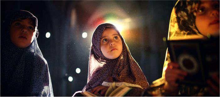 majalah keluarga muslim untuk pendidikan anak, ajarkan muraqabah agar anak selamat dunia akhirat
